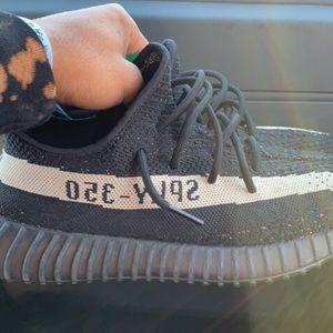 Yeezy 350 core black